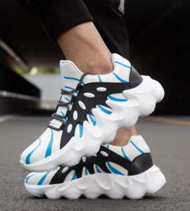 Canvas shoes white